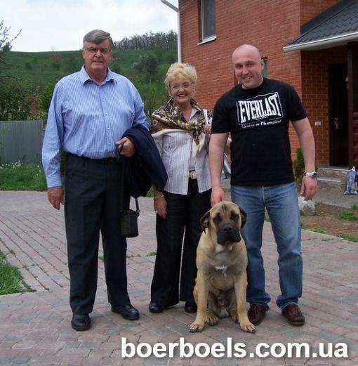 Дэн 9 мес. с Лукасом Ван Вууреном и его женой Эстной